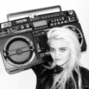 Sky Ferreira   -  Everything Is Embrassing (MK Remix)